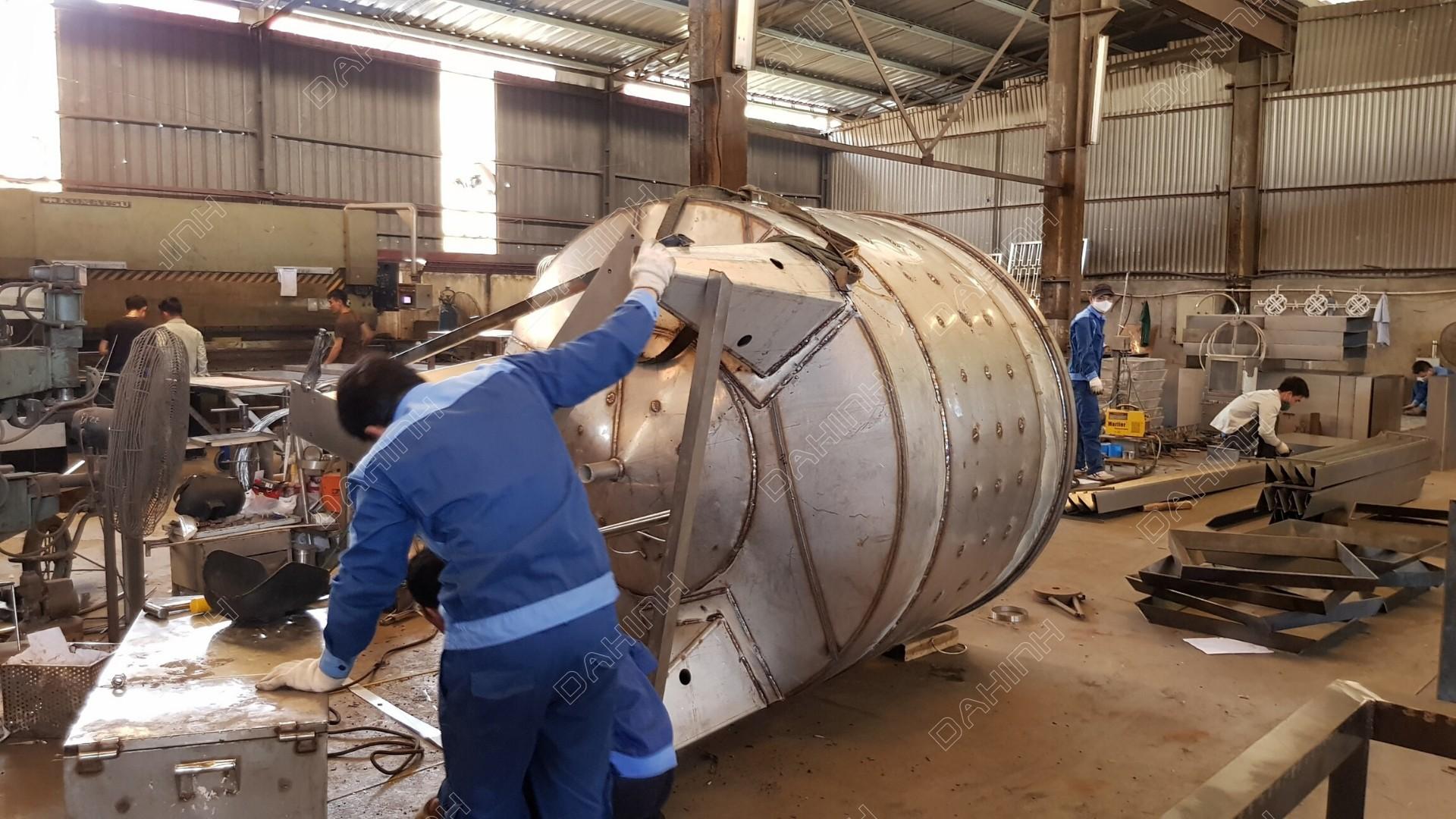 Gia công, sản xuất bồn chứa inox chất lượng cao tại Đa Hình