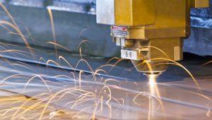 cat-laser-trong-gia-cong-kim-loai-1