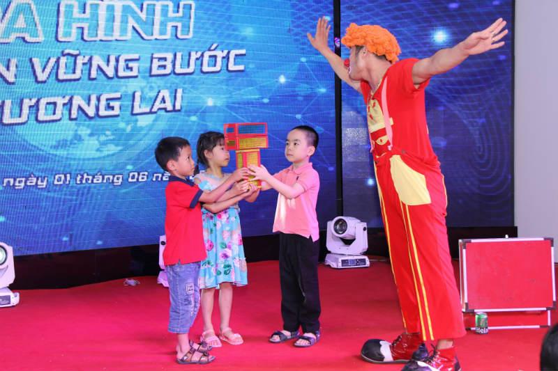 cong-ty-co-phan-san-xuat-thuong-mai-da-hinh-7