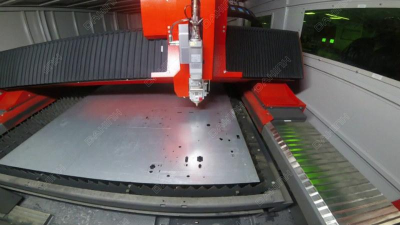 gia-cong-cat-laser-so-1-ha-noi-2