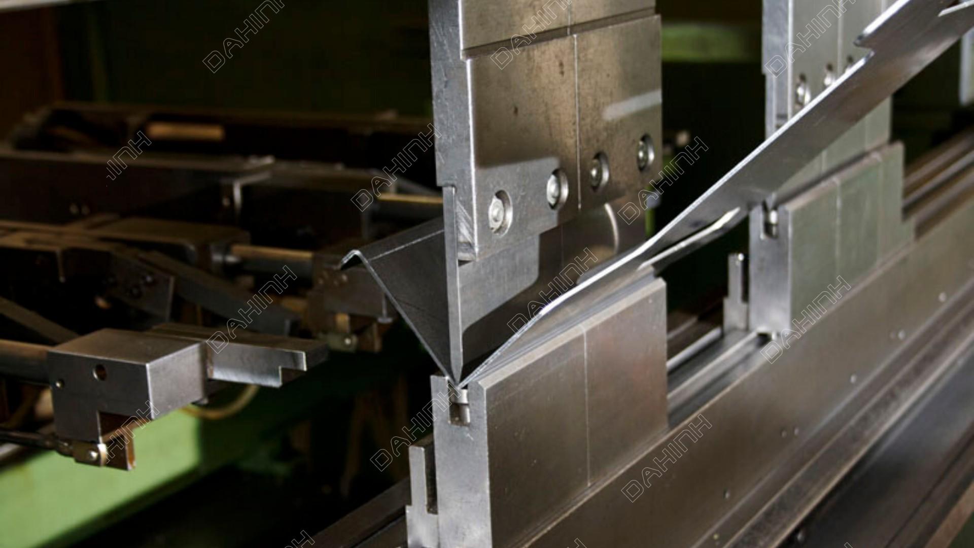 Gia công cắt laser chấn gấp nẹp inox
