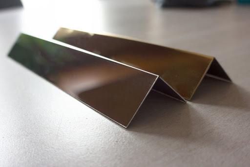 cắt laser chấn gấp thanh V inox mạ vàng
