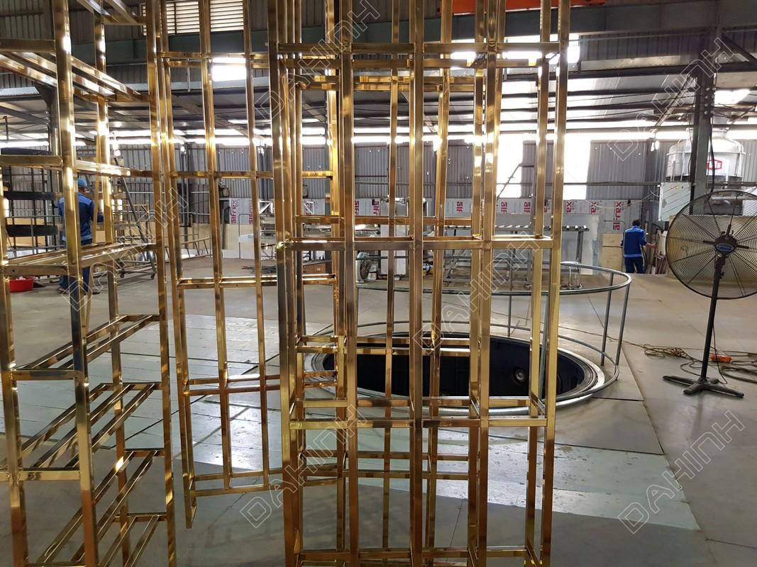 khung kệ inox mạ vàng tại mạ pvd inox đa hình