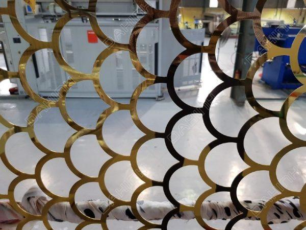 cắt laser vách ngăn cnc inox mạ vàng vảy rồng
