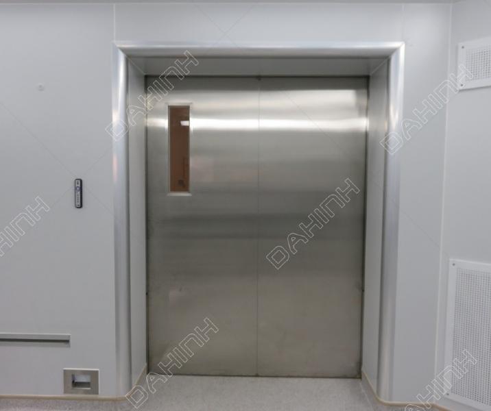 gia công cửa cổng cabin thang máy inox
