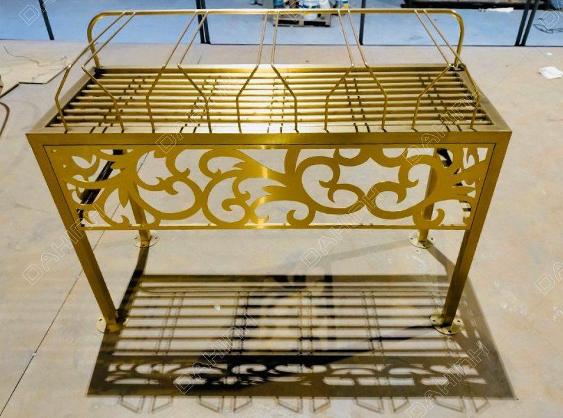giá treo ly inox quầy bar mạ vàng