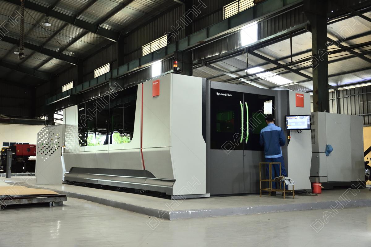 Công nghệ tiên tiến hiện đại tạo thế mạnh dịch vụ gia công cơ khí tại Đa Hình
