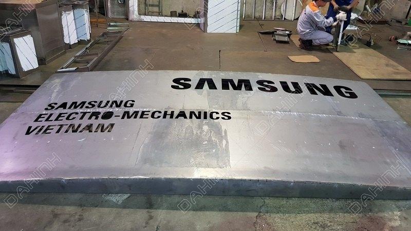 Đa Hình gia công cắt chữ inox cho tập đoàn Samsung Việt Nam