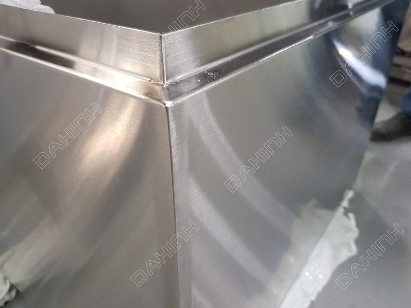 Soi rãnh inox CNC