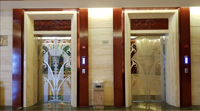 Gia công thang máy bằng inox tấm hoa văn tại Đa Hình đảm bảo chất lượng cao, tính thẩm mỹ tuyệt vời